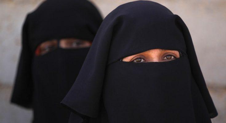 """صورة النساء في """"عوائل داعش"""" يدفعن الضريبة"""
