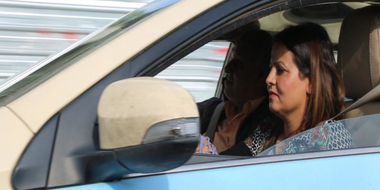 Photo of A lady is a taxi driver in Sulaimani