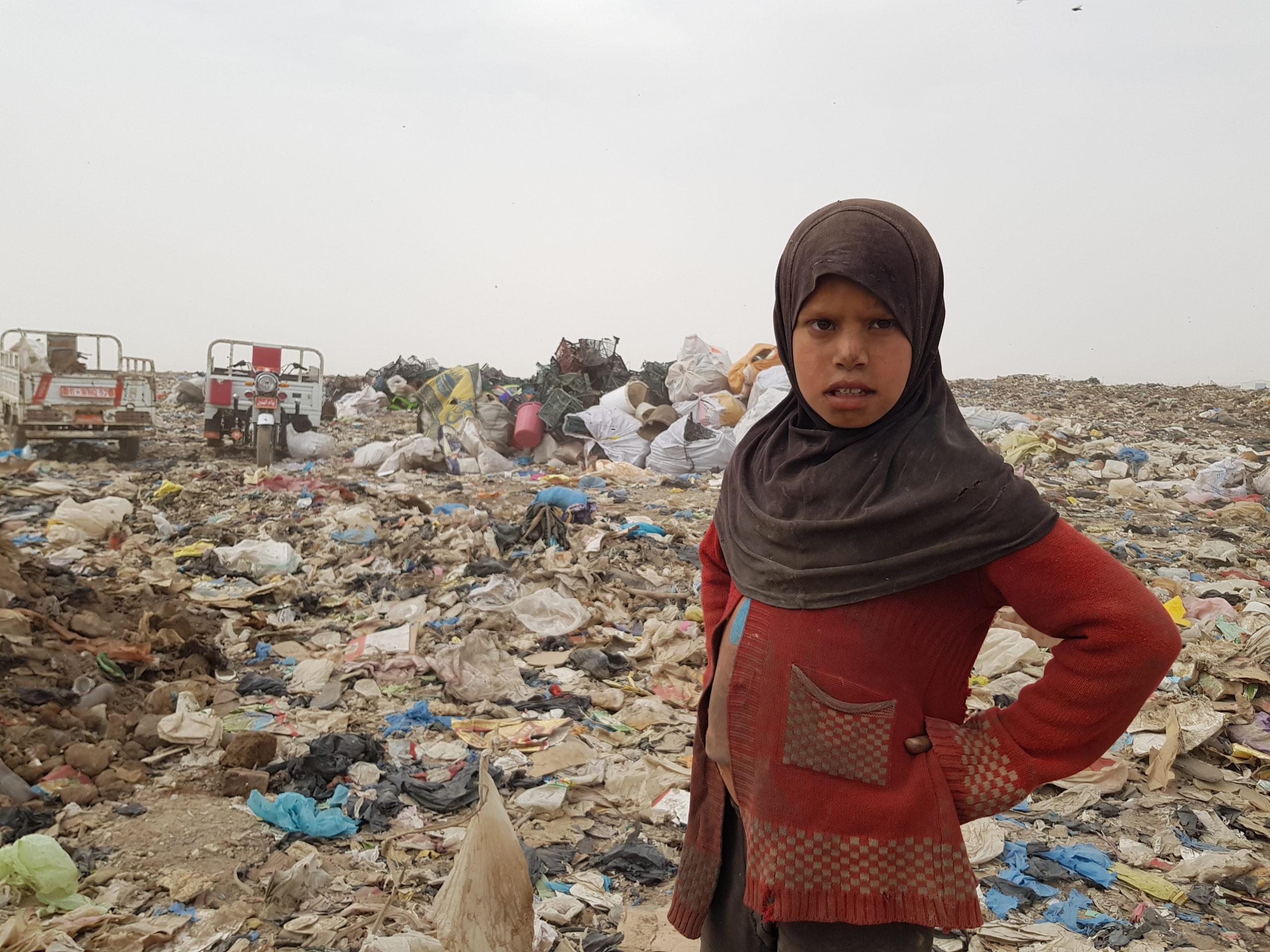 """صورة """"النباشة"""" قصة العيش في مكب النفايات جنوب الناصرية"""