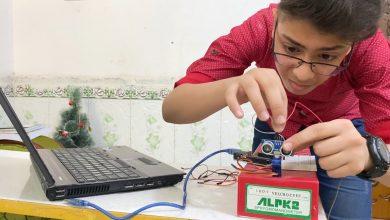 صورة يصعب تنفيذها حتى على المهندسين: طفل من الناصرية يحاكي ابتكارات علمية